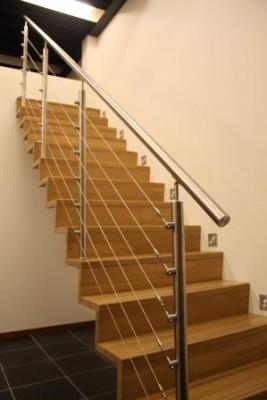 Trappen foto 39 s van op maat gemaakte trappen for Trap buiten hout