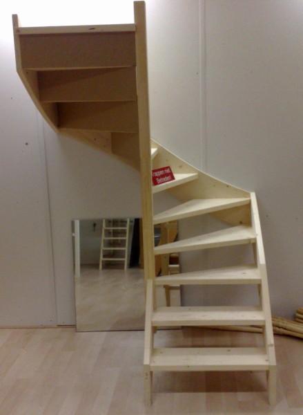 Doe het zelf trap de maattrap for Houten trap plaatsen